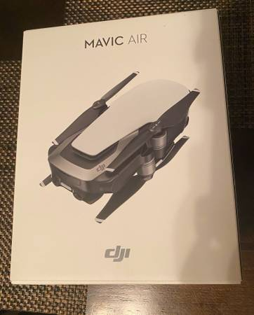 Photo DJI Mavic Air 4k video Drone in box - $599 (Hoboken)