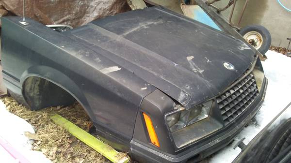 Photo FOX BODY MUSTANG FRONT CLIP - $125 (SUSSEX  WANTAGE)