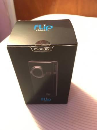 Photo Flip MinoHD Video Camera - $15 (ridgefield)