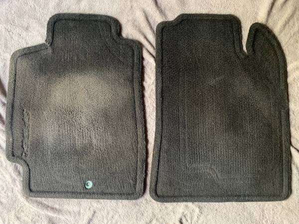 Photo Front Floor and Rear Floor Mats 2000-2005 Mitsubishi Eclipse Spyder - $30 (Totowa)
