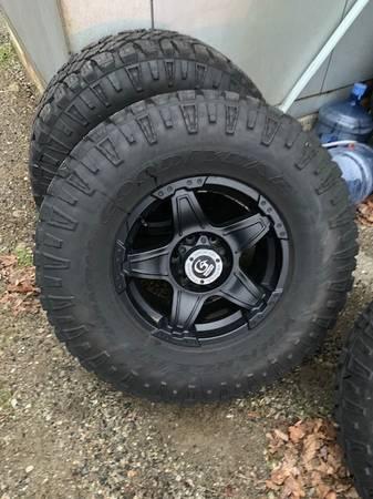Photo Goodyear Wrangler Duratec LT31570R17 set Tires W Granite Alloy Wheels - $999 (MINE HILL)