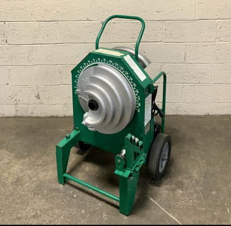 Photo Greenlee 555C Classic Electric Conduit Bender Power Unit 12-2 - $2,800 (Elmwood Park)