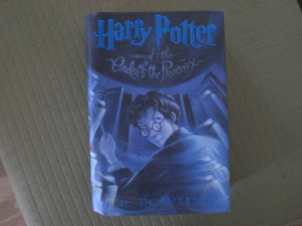 Photo Harry Potter Book - $15 (Nutley)