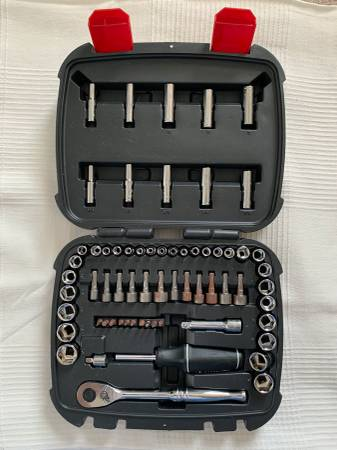 Photo Husky 65-piece 14 in and 38 in Drive Mechanics Tool Set (moving out) - $15