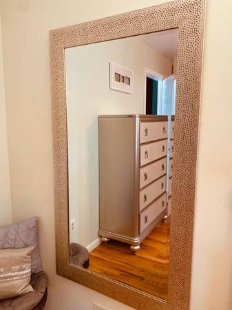 Photo LIKE NEW GORGEOUS LARGE MIRROR, CAN BE USED BOTH WAYS - $129 (KINNELON)