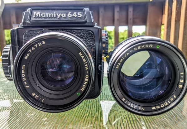 Photo Mamiya 645 and two Lenses free roll 120 black and white film - $600 (S Hackensack)