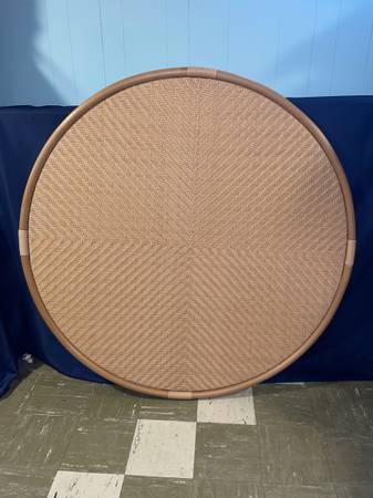 Photo NEW Lloyd Flanders Wicker Natural Weave 50quot Round Table Top - $160 (Bayonne)