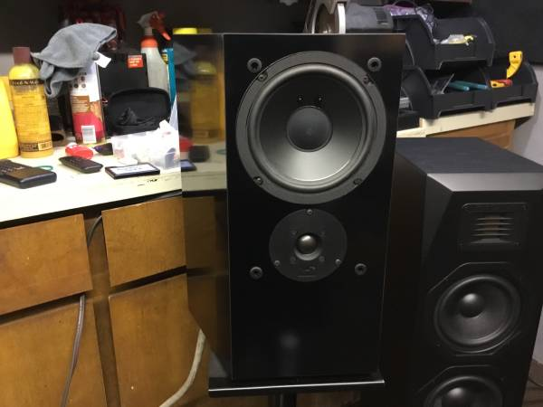 Photo NHT speakers - $250