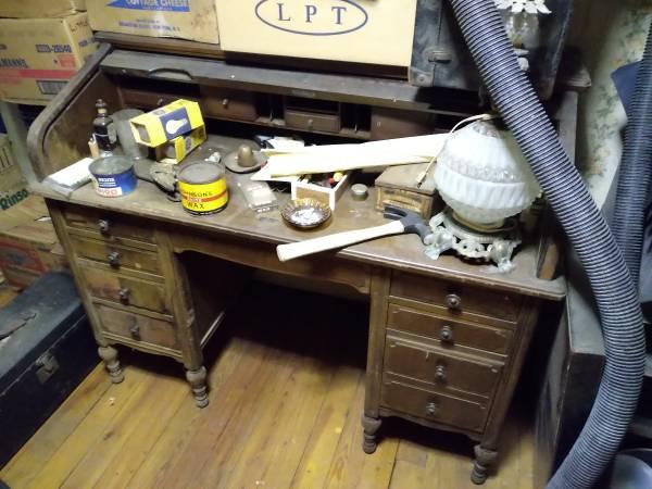 Photo Oak Roll Top Desk (Dover)