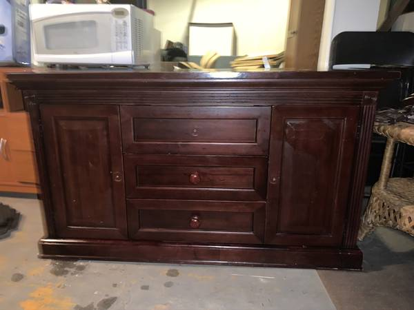 Photo Pottery Barn Kids Dresser  Changing Table Solid Wood - 3 drawers and - $200 (Lyndhurst, NJ)