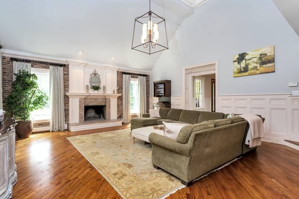 Photo REALTY EXECUTIVES ELITE HOMES THE HOME YOU DESERVE IS READY FOR YOU (Franklin Lakes)