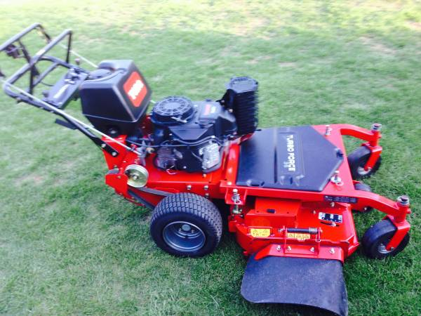 Photo Toro Commercial Walk Behind - $3,700 (Chester)