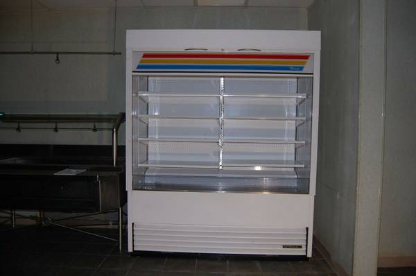 Photo True Standing Open Display Food or Beverage Cooler White Model TAC-72 - $2,400 (Old Tappan)