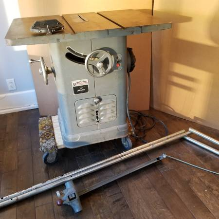 Photo Vintage 10quot Table Saw - Delta Rockwell - $375 (Boonton)