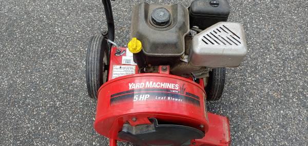 Photo Yard Machines 5hp Leaf Blower - $200 (Montville)