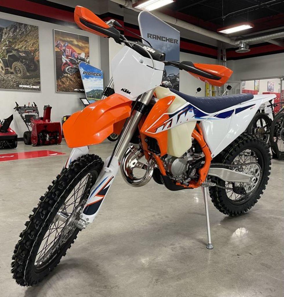 Photo 2022 KTM Dirt Bike Motorcycle  $7799