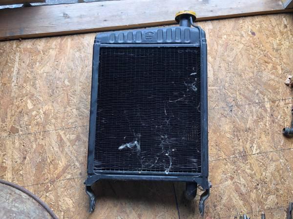 Photo john deere 420 antique tractor radiator - $150 (mt bethel pa)