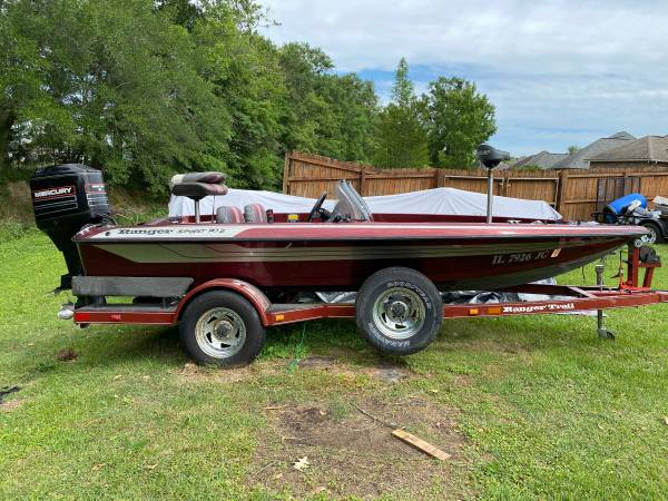 Photo 1995 Ranger Sport R72 17ft boat - $4500 (Gonzales)