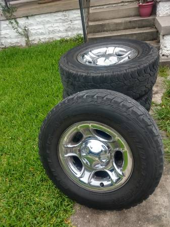 Photo 1997-2003 Ford F150 Wheels with Tires - $250 (New Orleans)