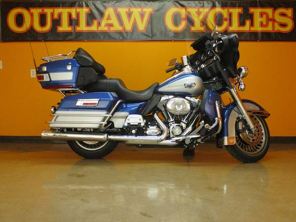 Photo 2010 Harley Davidson FLHTCU Ultra Classic Electra Glide Motorcycle - $11,800 (Covington)