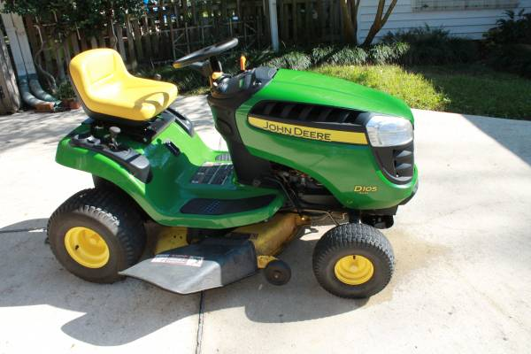 Photo 2013 JOHN DEERE D105 LAWN TRACTOR - $550 (RIVER RIDGE, LA)