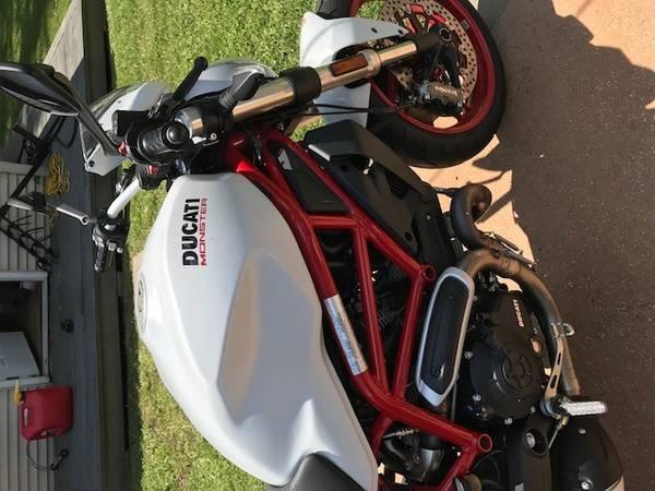 Photo 2018 Ducati 797 Monster - $6,999 (Mandeville)