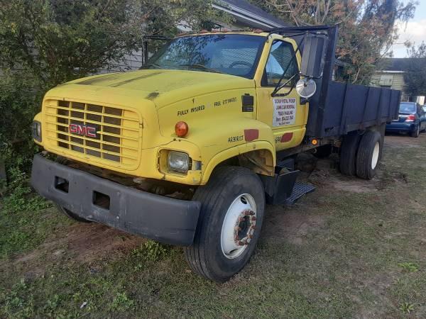 Photo Chevy Truck C 6500 - $1,800 (New Orleans La)