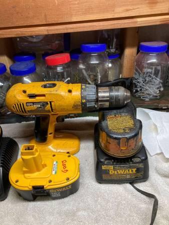 Photo Dewalt 18 Volt Drill - $40 (Slidell)