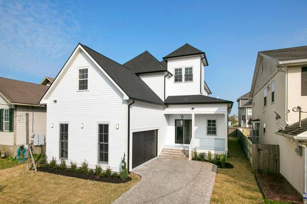 Photo Newly Constructed Lakeview Gem (New Orleans)