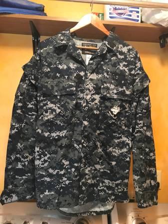 Photo US Navy NWU Blue Digital Camo Issue Uniform Blouse Shirt - Medium Long - $30 (Destrehan)