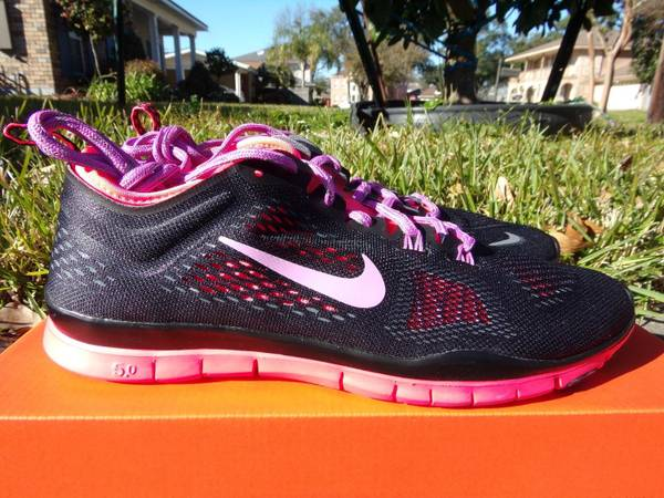 Photo WOMENS NIKE FREE 5.0 TRAINER FIT 4 SIZES 8-8.5 NEW CONDITION - $50 (metairie)