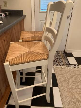 Photo White wicker seat barstools - $75 (Covington)