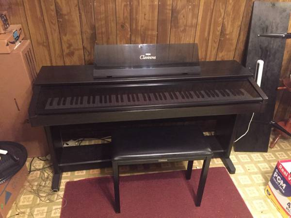 Photo Yamaha Clavinova Digital Piano - $1,000 (Kenner)