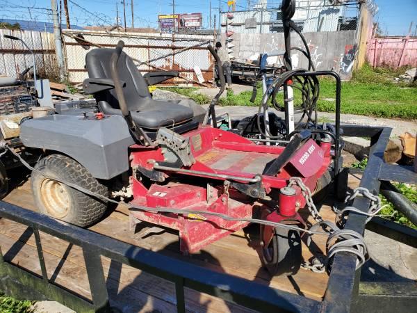 Photo Yazoo zero turn mower 4239 - $1200 (New Orleans)