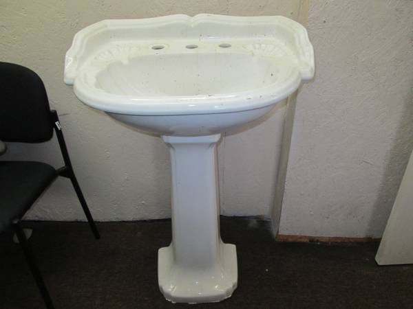 Photo pedestal sink - $100 (abita springs)