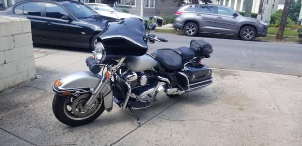 Photo 07 Harley Davidson Road King (Police) - $10,300 (Saint Albans)