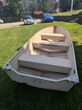 Photo 14 FT STARCRAFT DEEP V-ROW BOAT...... - $750 (WESTCHESTER)