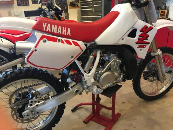Photo 1989 YAMAHA YZ 250 MINT CONDITION VINTAGE - $4,200 (QUEENS)