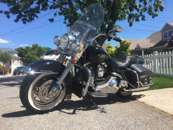 Photo 2004 Harley Road King - $6,500 (Bushwick)