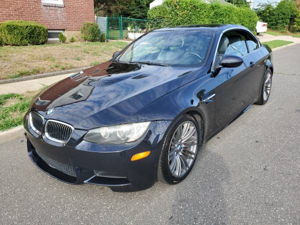 Photo 2008 BMW M3 6 speed hardtop convertible Clean Title almost new - $16800 (Valley Stream)
