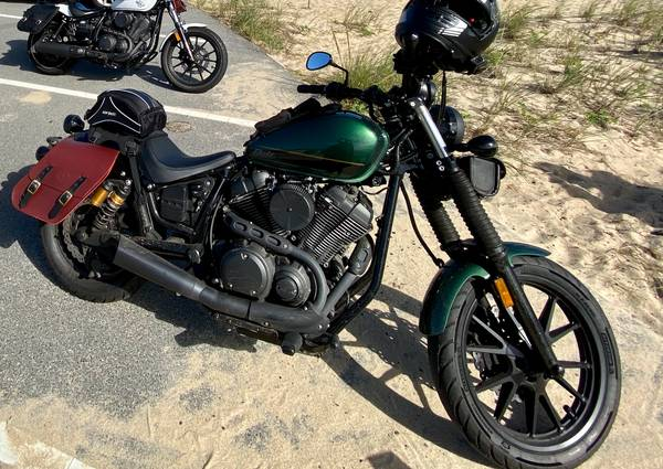 Photo 2015 Yamaha Bolt R-Spec w mods and accessories - $5,000 (Queens)