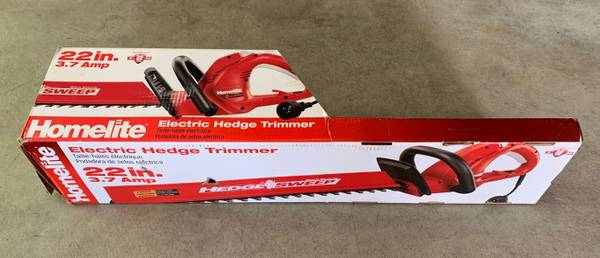 Photo 22 in. 3.7 Amp Electric Hedge Trimmer - $40 (Yorktown Heights)