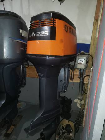 Photo 250 hp Yamaha Outboard motor engine 30 inch shaft - $1750 (I will ship worldwide)
