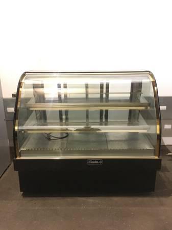 Photo 4 ft bakery case refrigerator  restaurant equipment - $2,500