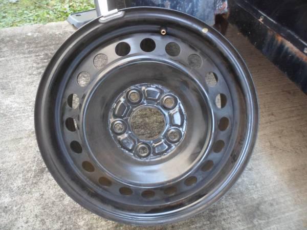 Photo 4 like new honda civic wheels,tps too - $125 (CENTRAL NJ)