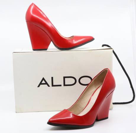 Photo ALDO Pointed Toe Wedge Pumps in Hot Red Leather, Size 6 - $25 (Bed-Stuy)