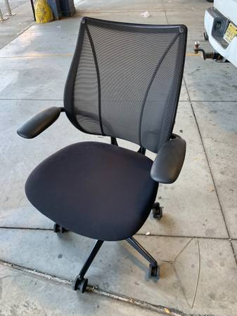 Photo Black HumanScale Liberty OfficeTask Chairs - $240 (East Village)