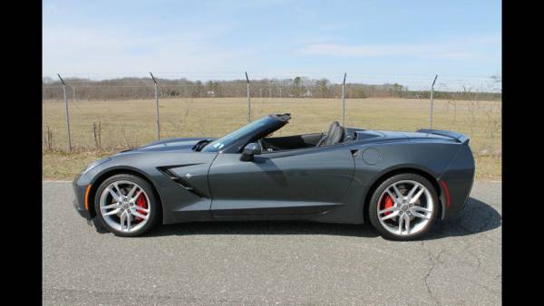 Photo Corvette C7 2014 Z51 Convertible - $47,500 (Westbury)