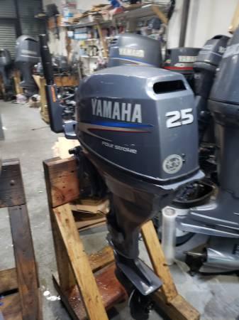 Photo F25 hp Yamaha Outboard motor engine electric start - $1500 (I will ship worldwide)