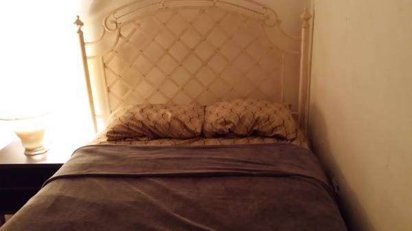Photo Furnished Room for Rent Utilities Included  Free WIFI (Fordham Heights)